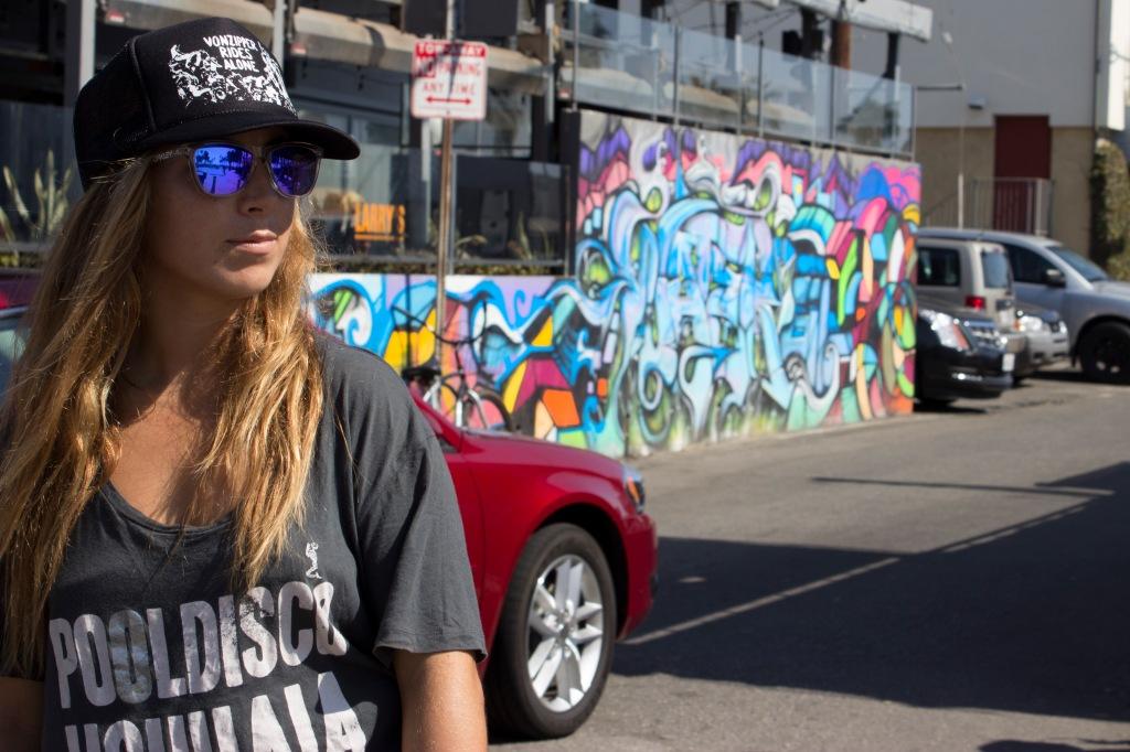 Street Art girl Venice Beach