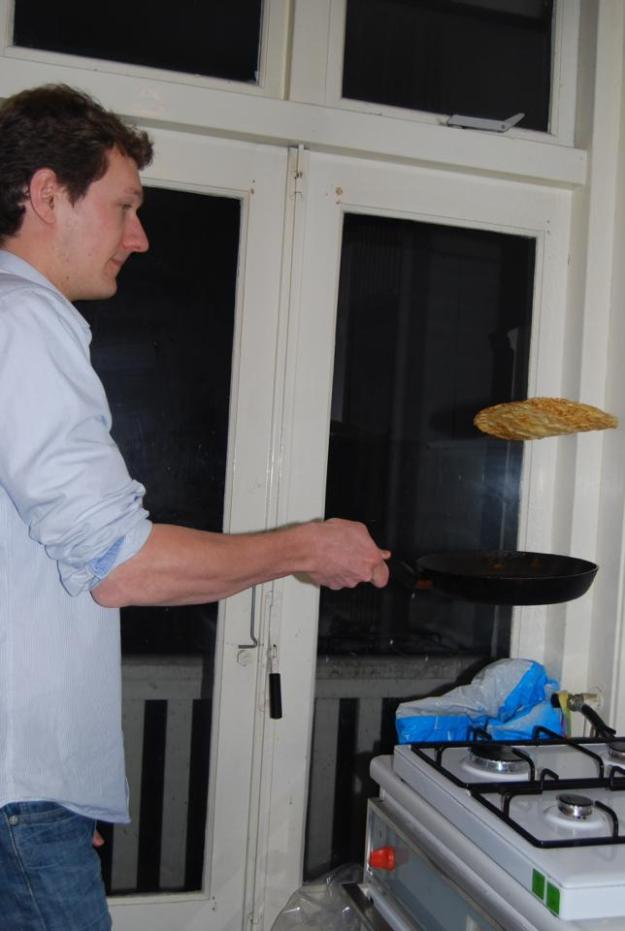 Victor getting mad pancake hops