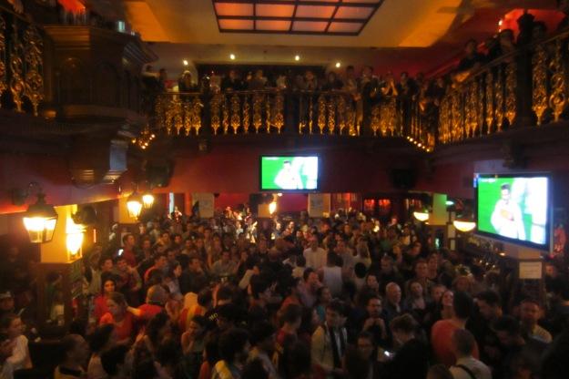FC Barcelona v. Paris crowd