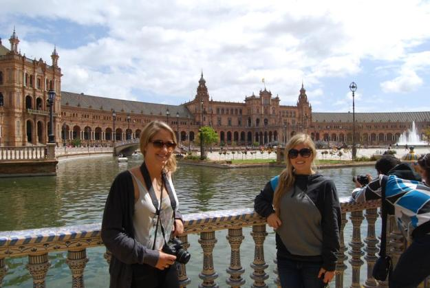 Lauren and I hanging out in front of Plaza de Espana.