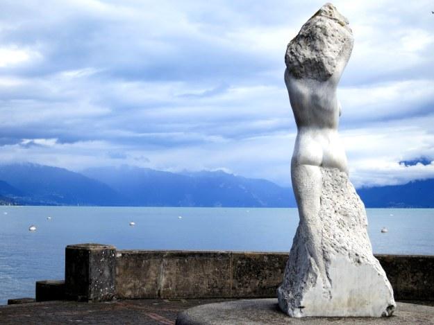 statue lausanne switzerland